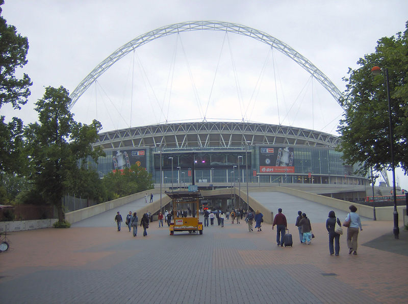 800px-wembley_stadium_closeup.jpg